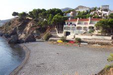 Вилла в Льянса / Llanсa в 1 м от пляжа